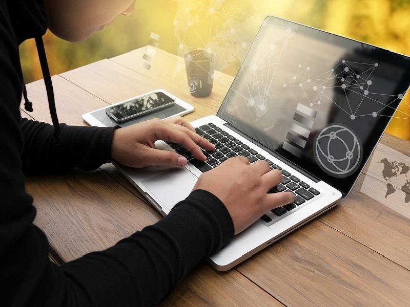 4:プログラミング言語から総合技術に進化した